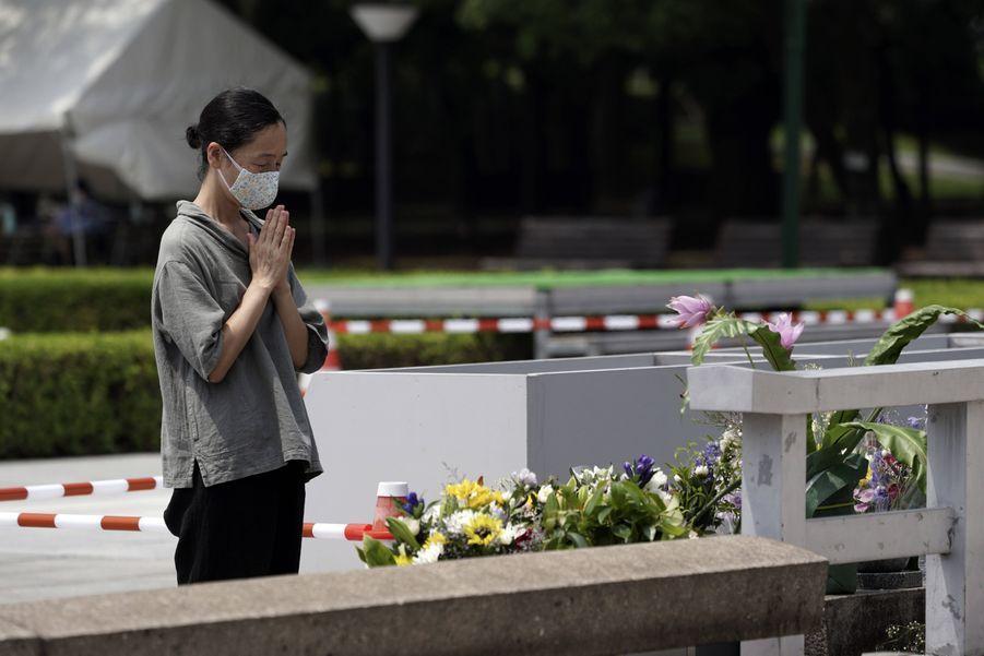 Hiroshima prépare la commémoration des 75 ans de la bombe atomique pendant l'épidémie de coronavirus.