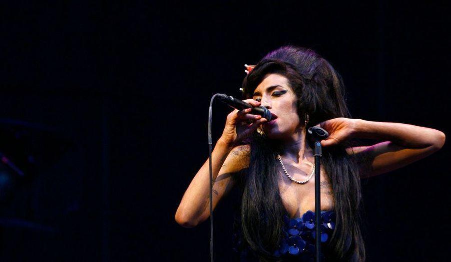 La chanteuse britannique est morte le 23 juillet à l'âge de 27 ans après avoir consommé beaucoup d'alcool à l'issue d'une période d'abstinence. Malgré une courte carrière, sa voix unique restera dans les mémoires.