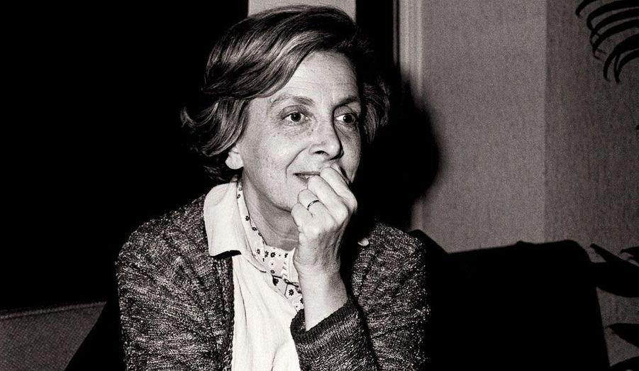 La poète française est décédée le 6 février 2011 à l'âge de 90 ans. Elle a obtenu le Goncourt de la poésie en 2002. Elle était la mère de Louis Chédid et la grand-mère de Matthieu Chedid, -M- sur scène.