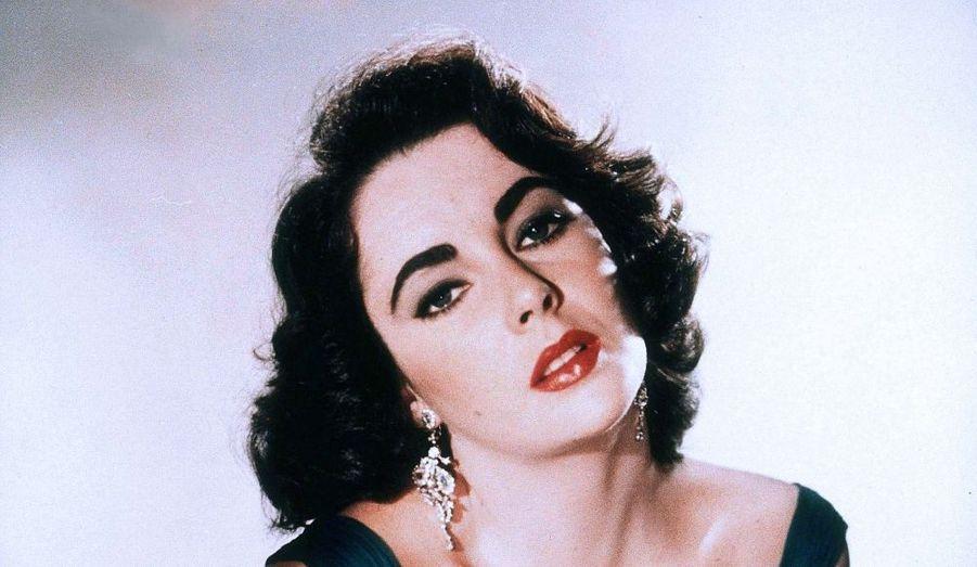 """L'immense actrice américaine est décédée le 23 mars, à l'âge de 79 ans. De """"Soudain l'été dernier"""" à """"Cléopâtre"""", la magnifique brune aux yeux violets a marqué l'âge d'or du cinéma hollywoodien."""
