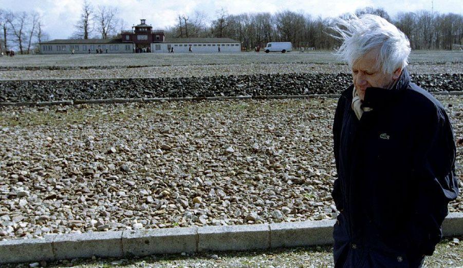 L'écrivain espagnol est mort le 7 juin 2011 à l'âge de 87 ans. L'auteur de La Deuxième mort de Ramon Mercader et de L'Ecriture ou la vie est ici photographié en 1995, lors de la commémoration de la libération du camp de Buchenwald, où il a été prisonnier durant la Seconde Guerre mondiale.