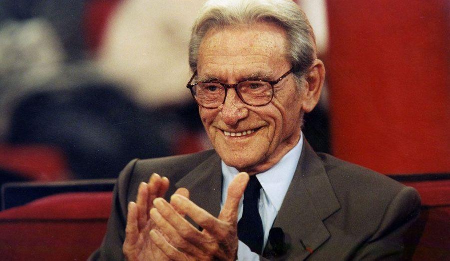 Le réalisateur et acteur est décédé le 29 octobre à 91 ans. Il est notamment célèbre pour la série de films La Septième compagnie.