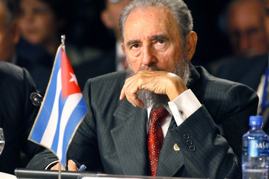"""Fidel Castro - mort le 25 novembre 2016A lire :Fidel Castro, """"El Comandante"""" est mort"""