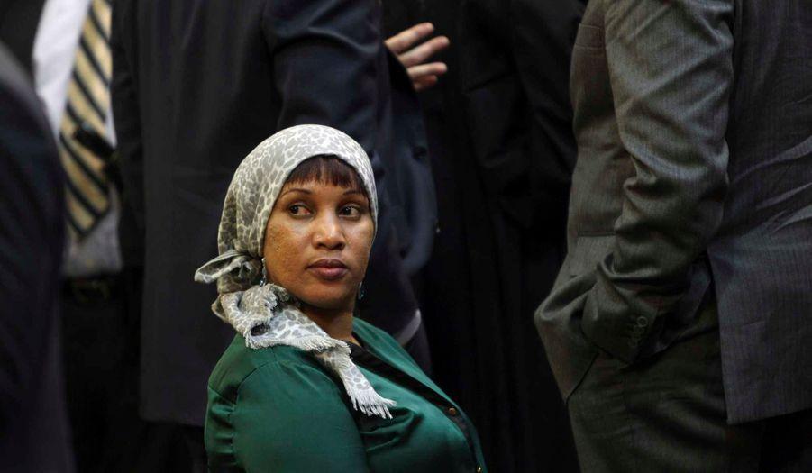 Oublié le temps où cette réfugiée guinéenne, surnommée Ophelia, n'avait même pas droit à son nom. Aujourd'hui, Nafissatou Diallo, 33 ans, est celle après qui Dominique Strauss-Kahn, ancien ministre socialiste et ex-directeur du Fonds monétaire international, n'aura pas d'avenir historique. Déboutée du tribunal pénal pour son manque de crédibilité, elle s'était tournée vers le civil en portant plainte pour « attaque violente et sadique, comportement humiliant et dégradant, atteinte à sa dignité de femme ». Le 10 décembre, le juge met fin à un an et demi de procédure. Le soir même, elle fête un accord financier confidentiel avec son avocat Kenneth Thompson à l'Union Square Cafe, à New York.