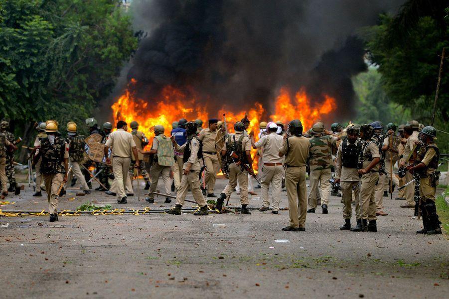 Au moins 22 personnes ont été tuées vendredi lors de violents heurts dans le nord de l'Inde après que la condamnation pour viol d'un gourou controversé