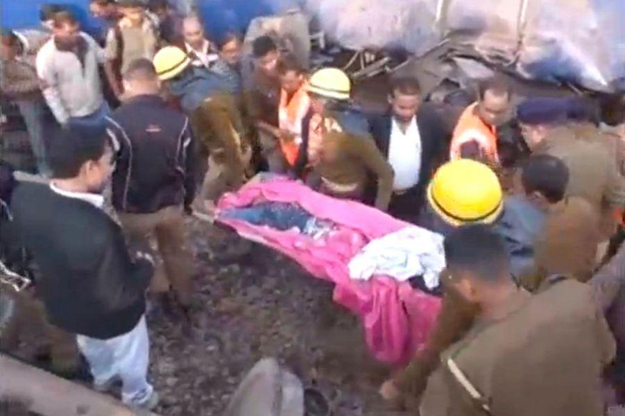 Les opérations de secours pour retrouver des survivants ou des corps sont toujours en cours