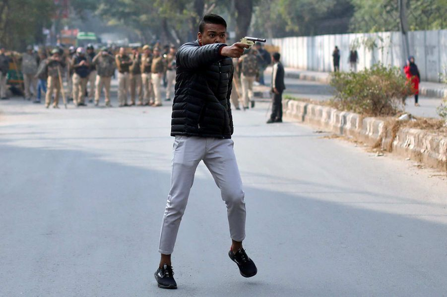 Un jeune homme a ouvert le feu sur des manifestants à New Delhi, le 30 janvier 2020.