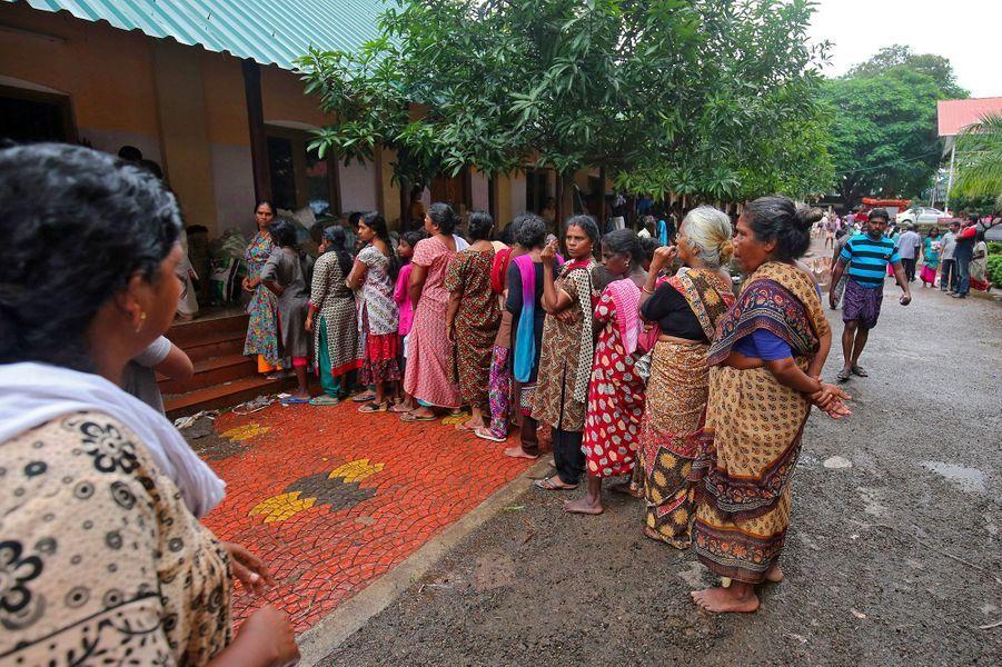 """Le nombre de personnes dans les camps humanitaires en Inde est maintenant d'1.028.000"""", réparties entre plus de 3.000 lieux d'accueil improvisés."""