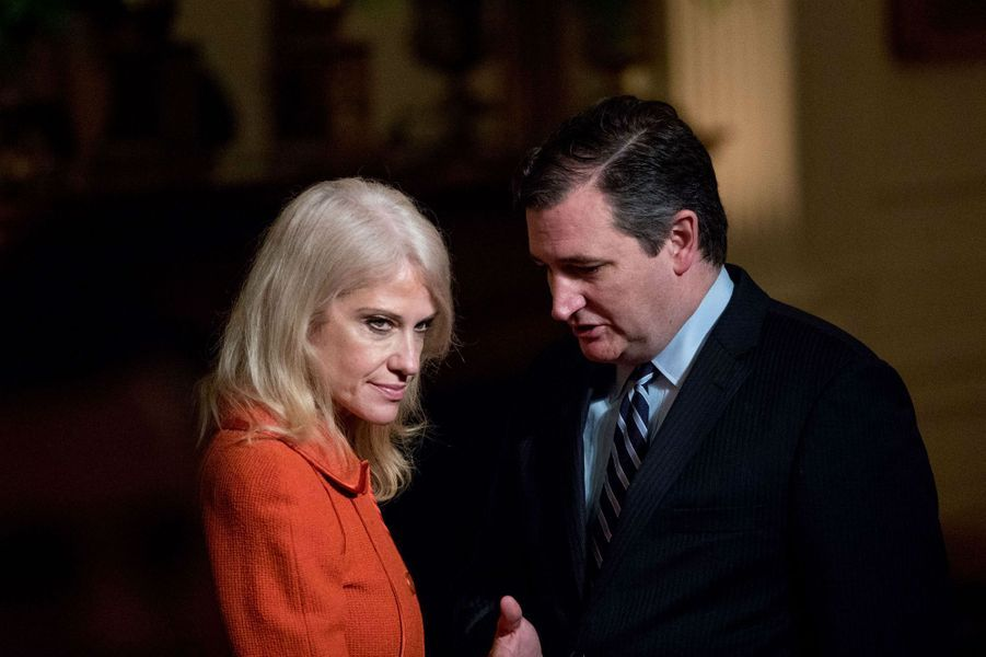 Kellyanne Conway et le sénateur Ted Cruz à la Maison Blanche, le 28 mars 2017.