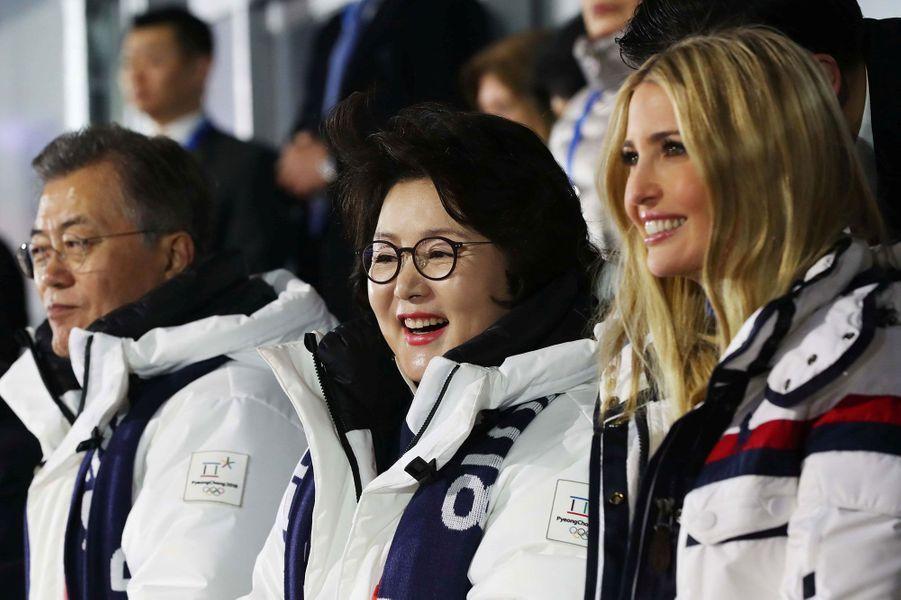 Ivanka Trump et Kim Jung-sook, l'épouse du président de Corée du Sud à la cérémonie de clôture des JO d'hiver