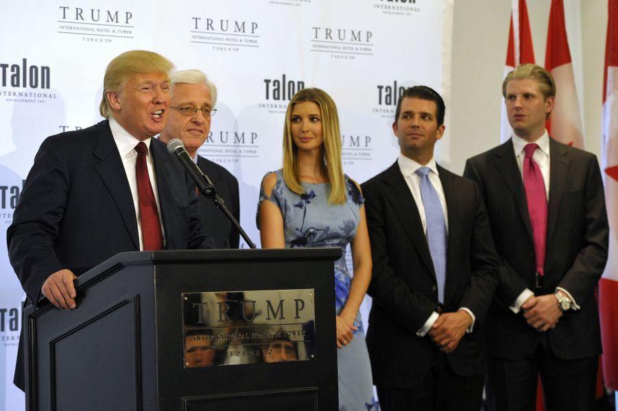 Donald Trump,Ivanka Trump, Donald Trump Jr et Eric Trump, en avril 2012.