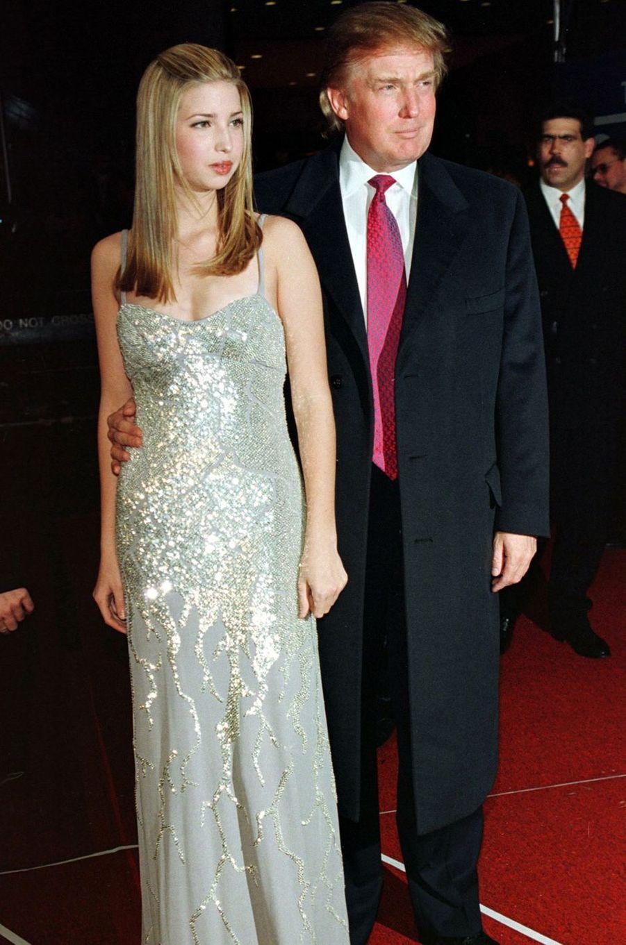 Ivanka Trump et son père Donald, en février 1998.