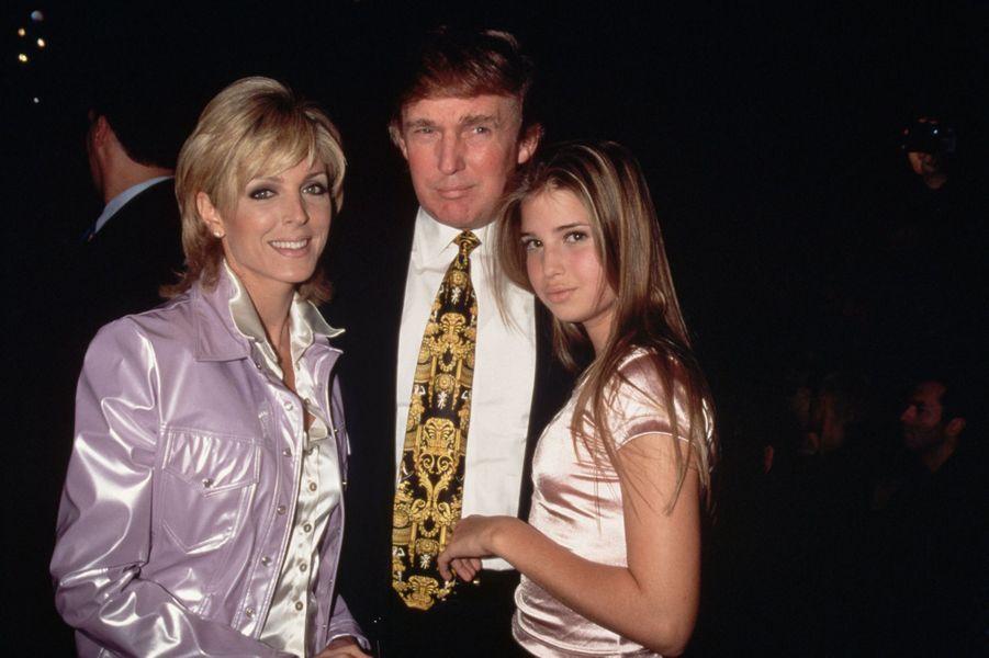 Marla Maples, Donald Trump et Ivanka Trump, en 1995.