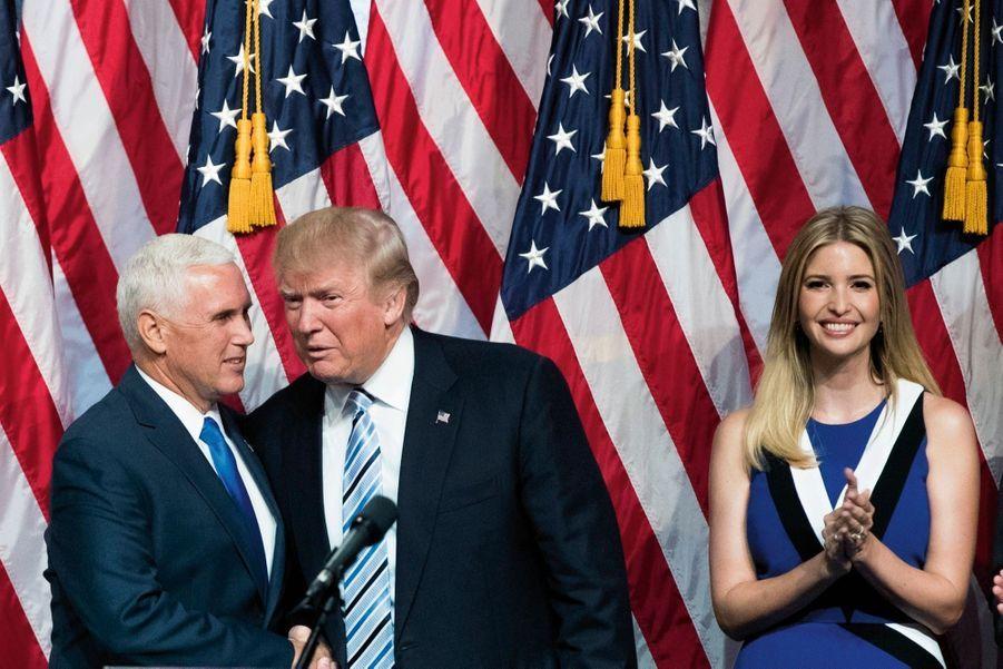 Présente à chaque étape. En juillet 2016, le candidat Donald Trump choisit son futur vice-président, Mike Pence