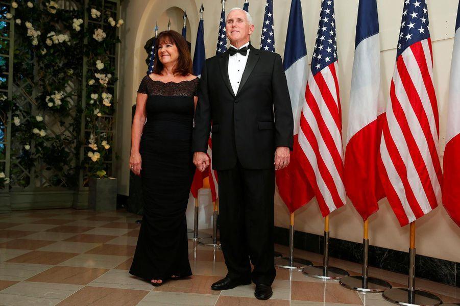 Karen et Mike Penceau dîner d'Etat à la Maison-Blanche, le 24 avril 2018.