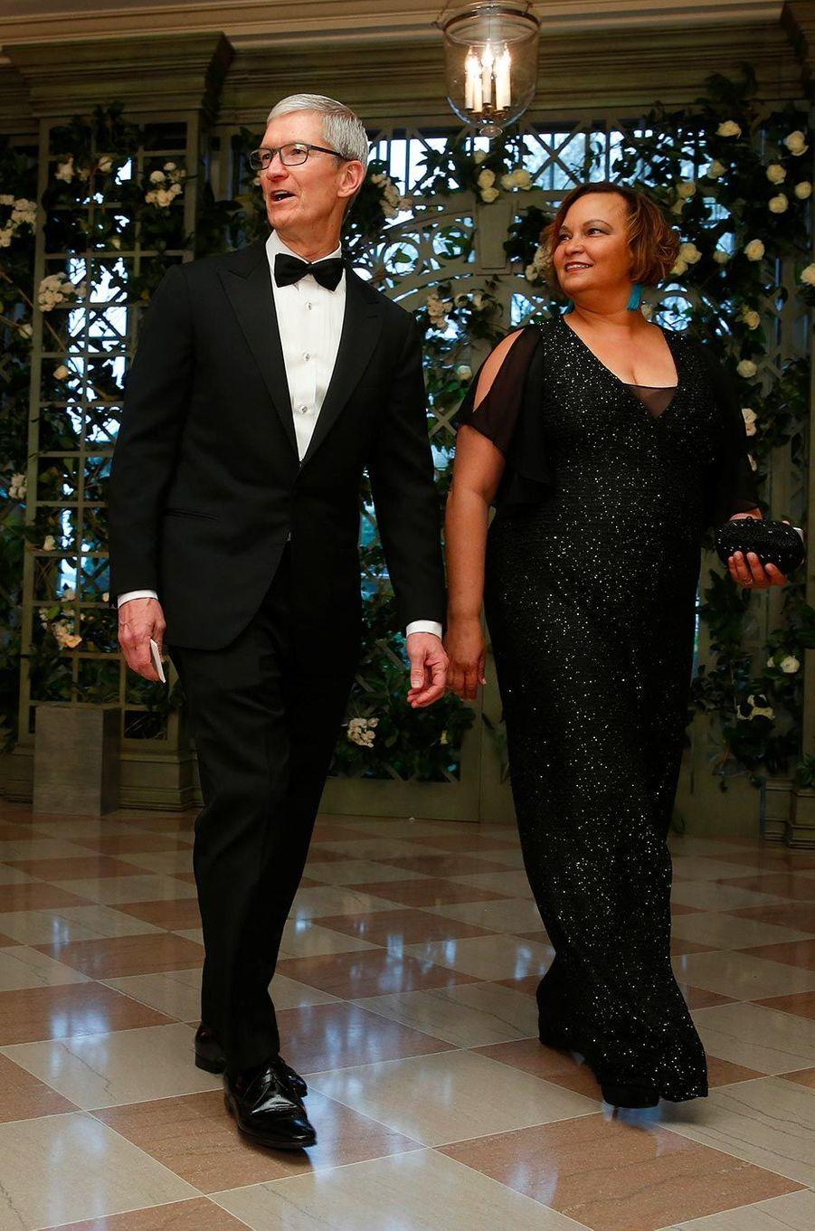 Tim Cook et Lisa Jackson au dîner d'Etat à la Maison-Blanche, le 24 avril 2018.