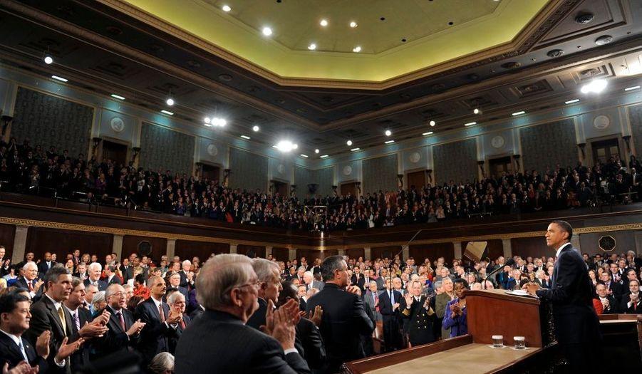 """Barack Obama a prononcé cette nuit son premier et très attendu discours annuel sur l'état de l'union, lors du quel il a fixé sa priorité sur l'emploi. Le président américain a demandé au Congrès américain de lui présenter """"sans retard"""" une loi soutenant l'emploi. Il a promis de consacrer cette année tous ses efforts à la création d'emplois."""