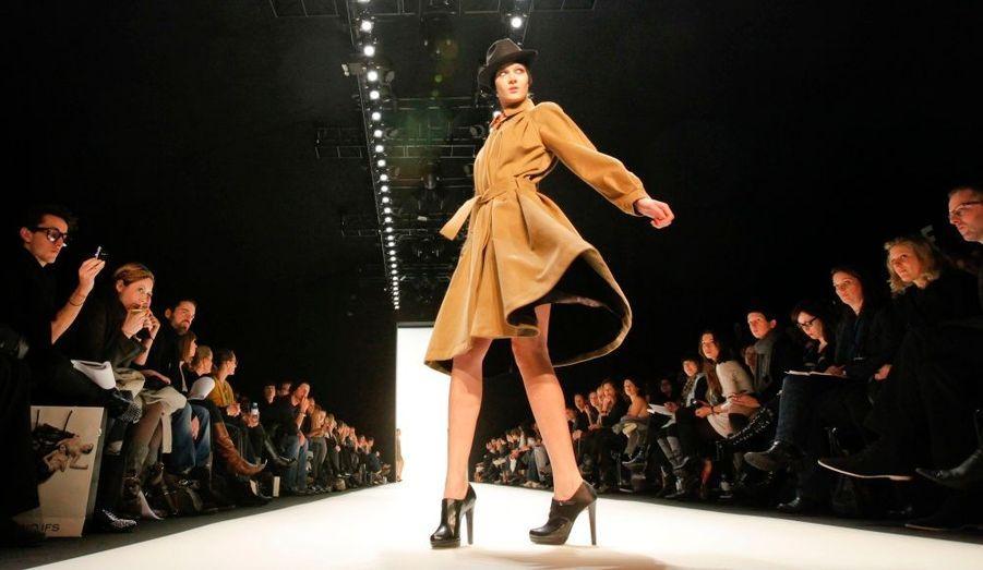 La Fashion Week de Berlin présente ici la collection Automne/ Hiver 2010/2011 de la créatrice Bernadett Penkov.