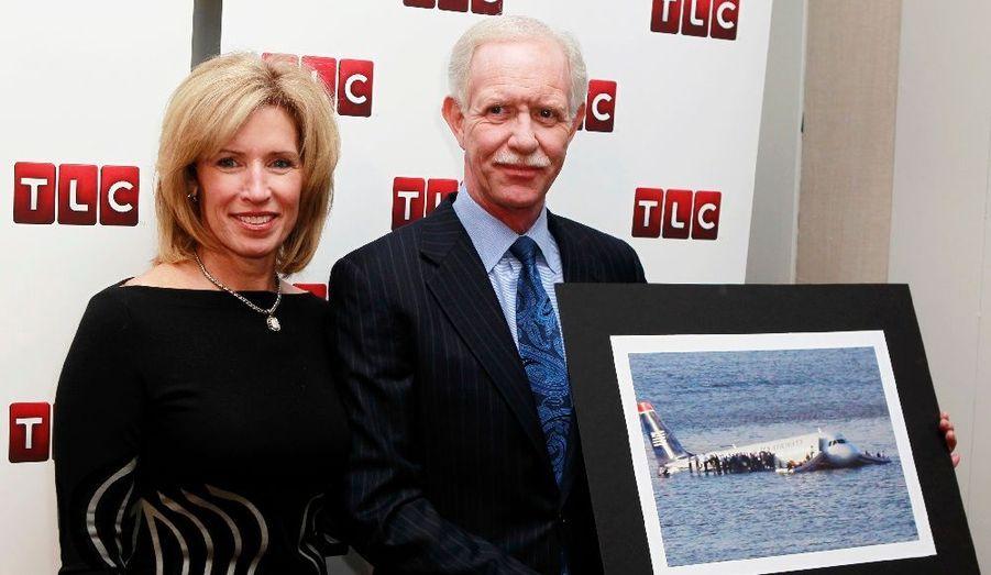 """Chesley Sullenberger, le pilote du """"miracle de l'Hudson"""" a assisté à l'avant-première du documentaire relatant son exploit, """"Brace for Impact"""". Le 15 janvier 2009, """"Sully"""" a réussi à poser un avion de ligne sur le fleuve de l'Hudson, après que l'avion ait percuté des oies sauvages."""