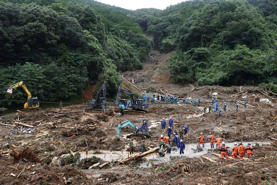 Les secours sont mobilisés dans la recherche de survivants au Japon après des inondations meurtrières