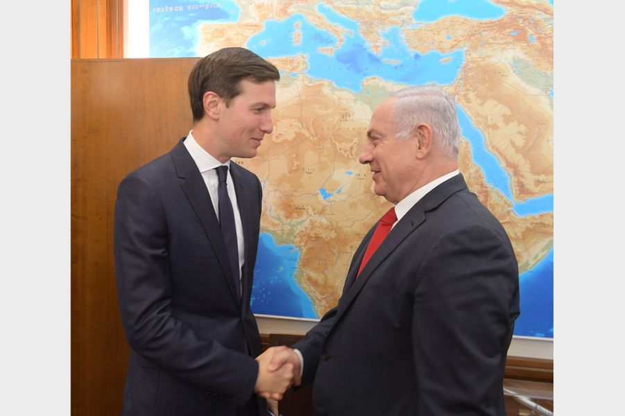Jared Kushner et le Premier ministre israélien Benjamin Netanyahou à Jérusalem, le 21 juin 2017.