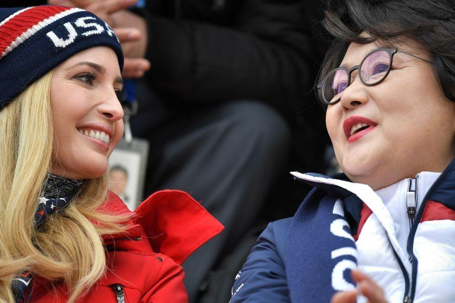 Ivanka Trump etKim Jung-sook, l'épouse du président de Corée du Sud Moon Jae-in,dans les gradins àPyeongchang