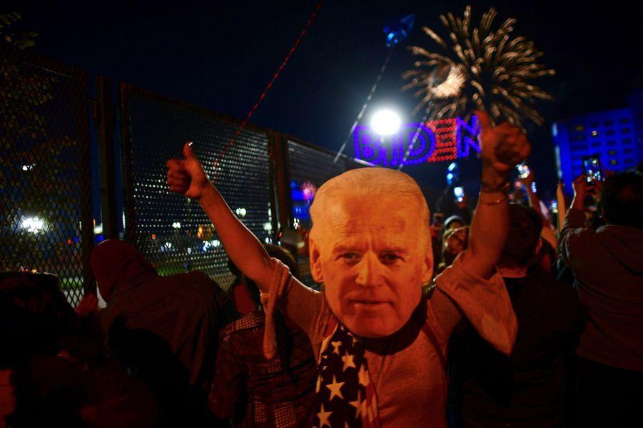 Joe Biden a délivré son premier discours de président éludevant des centaines de partisans réunis dans son fief de Wilmington, dans l'Etat du Delaware.