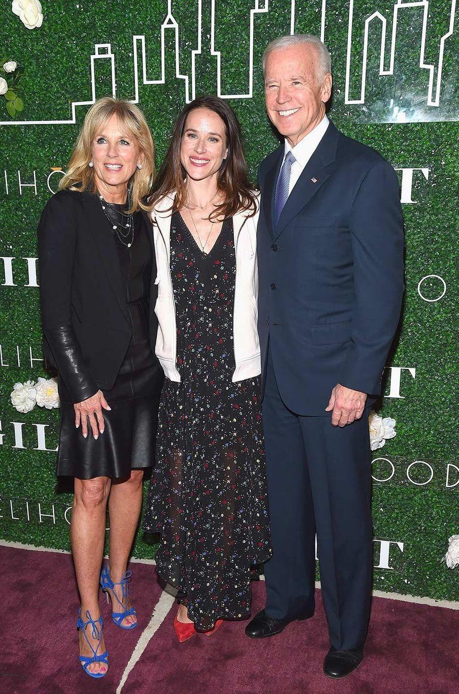 Jill, Ashley et Joe Biden, en février 2017.