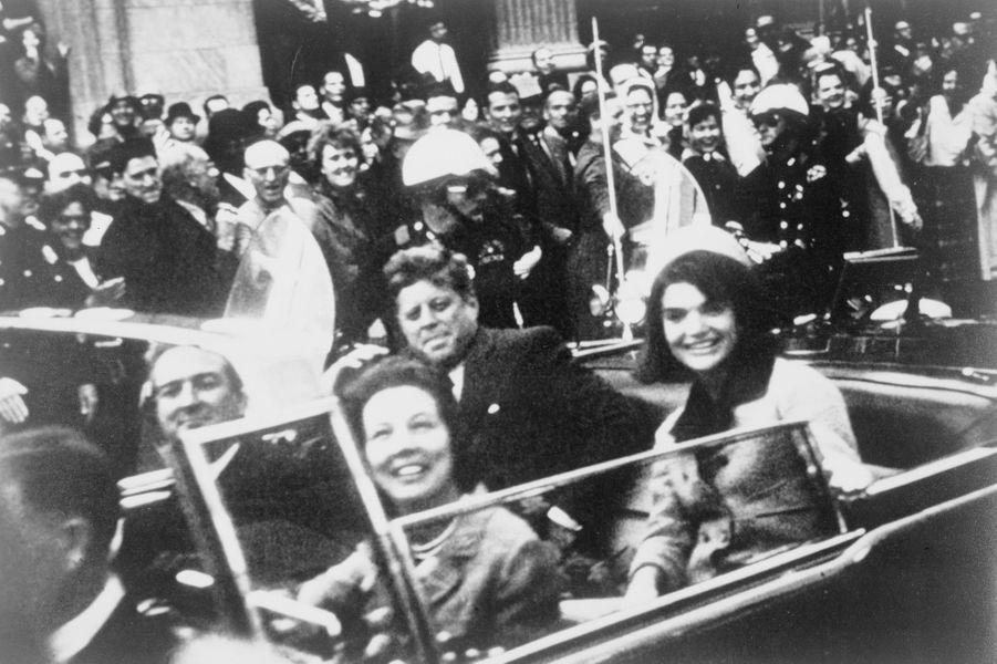 Jackie et John F. Kennedy à Dallas, au Texas, le jour de sa mort, le 22 novembre 1963.