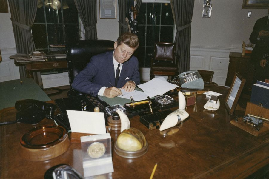 John F. Kennedy en pleine crise des missiles de Cuba, en octobre 1962.