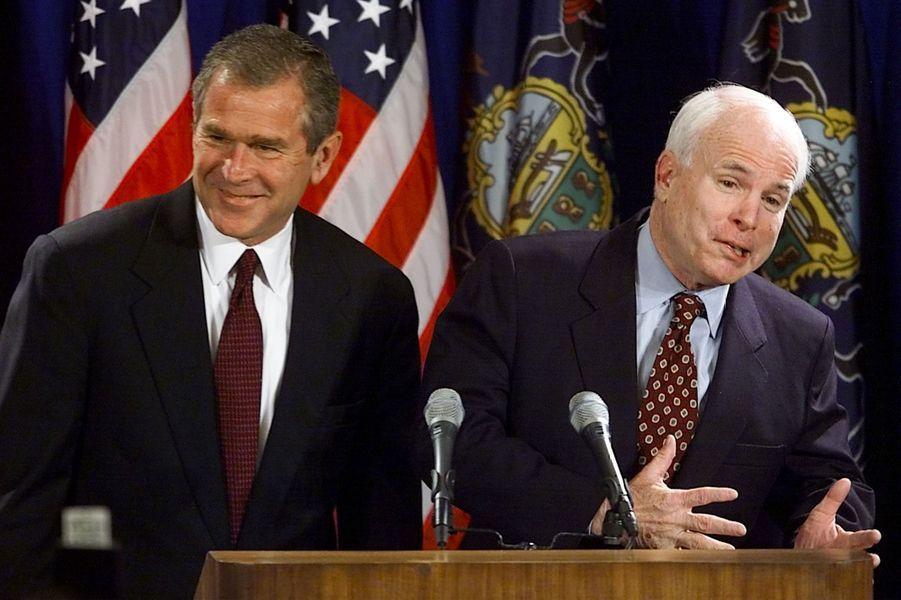 George W Bush et John McCain en mai 2000
