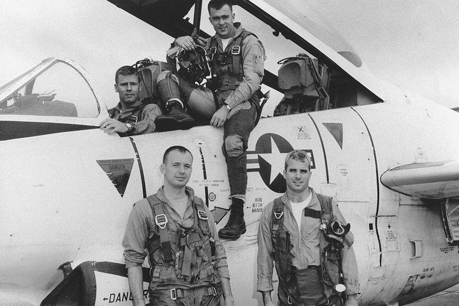 John McCain en 1965