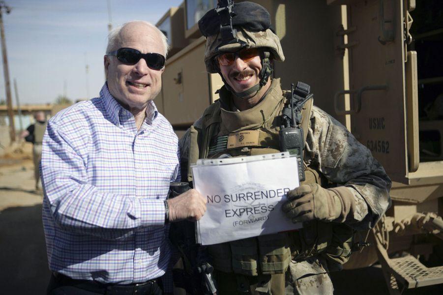 John McCain en Irak en mars 2008