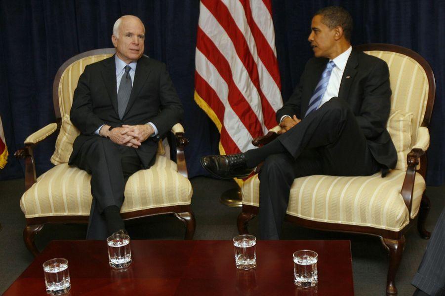 John McCain et Barack Obama en novembre 2008