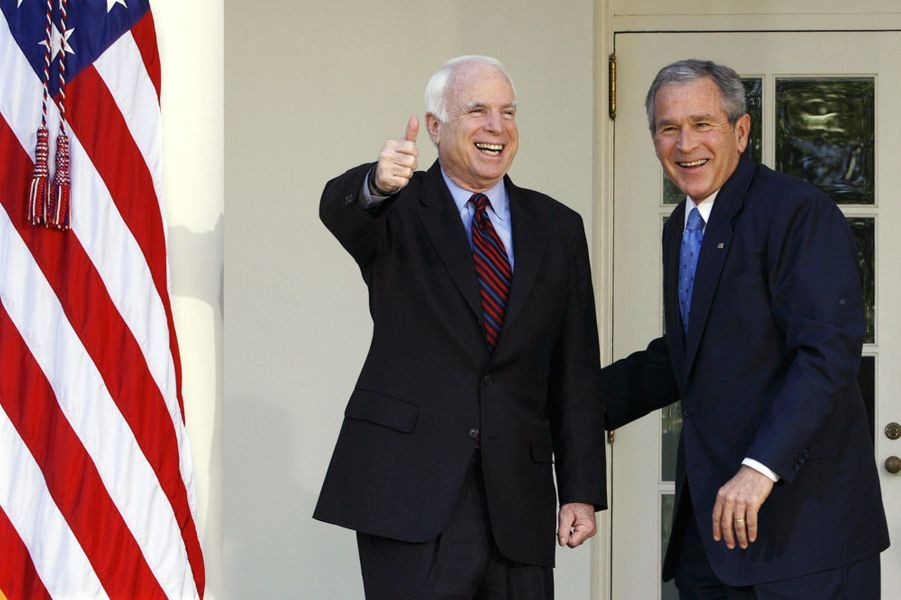 John McCain et George W Bush en mars 2008