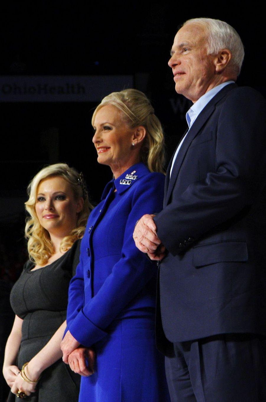 Meghan Cindy et John McCain en novembre 2008