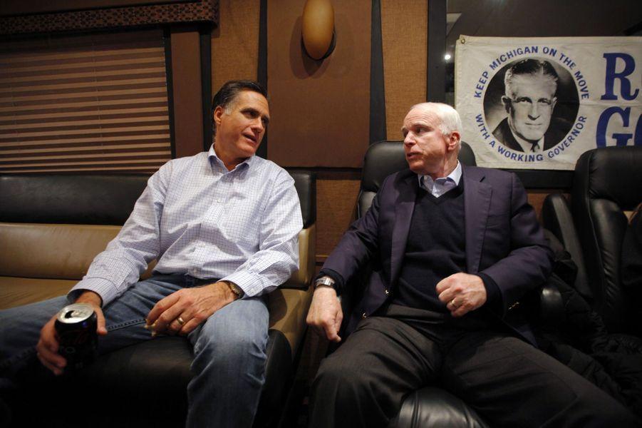 Mitt Romney John McCain et janvier 2012