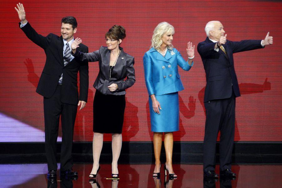 Todd et Sarah Palin avec Cindy et John McCain en septembre 2008