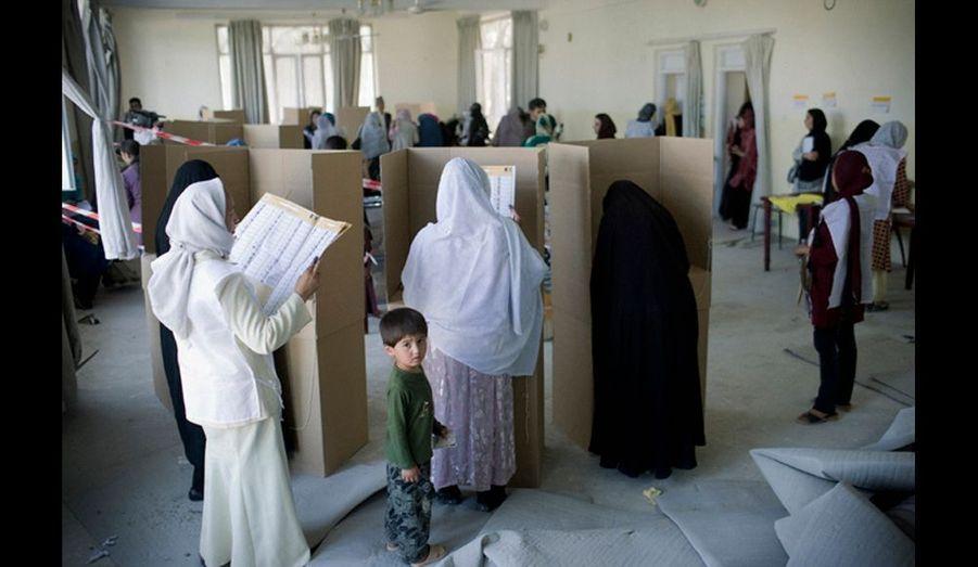 Un bureau de vote de la communauté hazara, très majoritairement chiite.