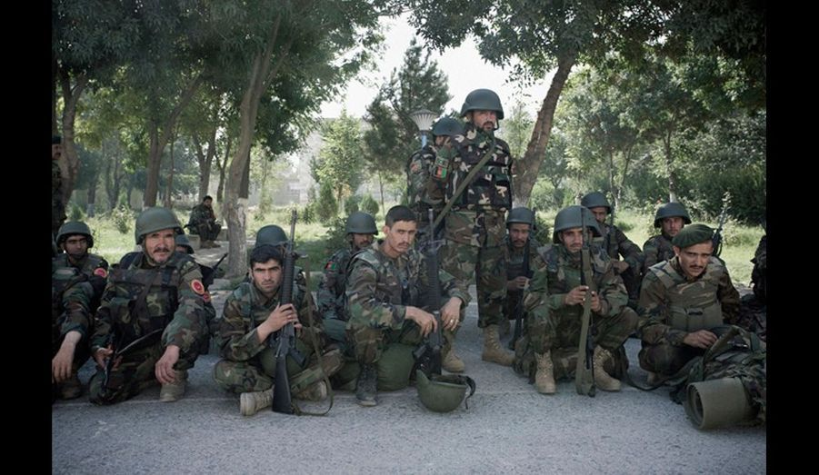 L'armée nationale afghane a assuré la sécurité lors des élections avec la police afghane. Cette patrouille se prépare à partir dans le nord du pays.