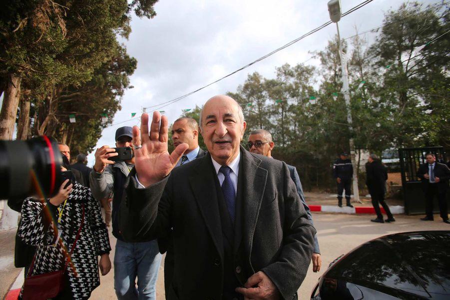 Abdelmadjid Tebboune va voter à Alger, le 12 décembre 2019.
