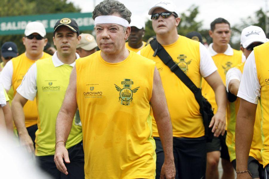 Le président colombien Juan Manuel Santos lors de la Carrera de los Heroes à Bogota, en mars 2012.