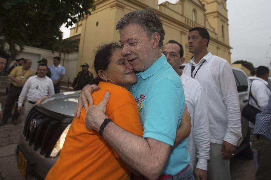 Le président colombien Juan Manuel Santos en campagne pour sa réélection à Sabanalarga, en mai 2014.