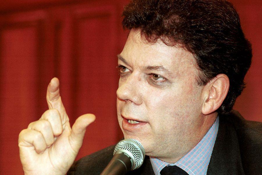 Juan Manuel Santos, alors ministre des Finances, en août 2000.