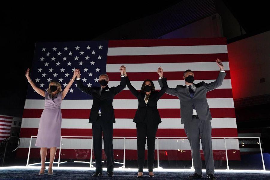 Jill et Joe Biden avec Kamala Harris et Douglas Emhoff, en août 2020.