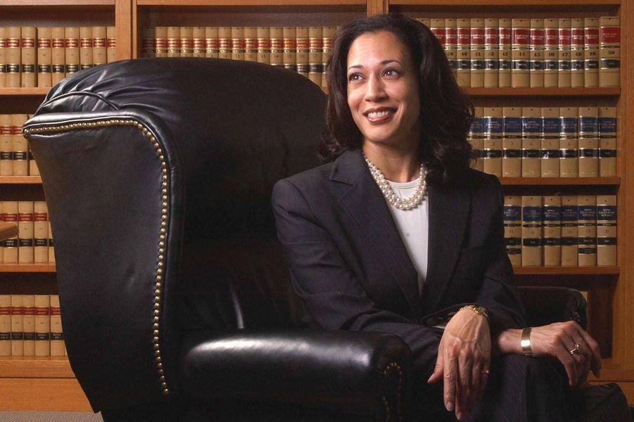 Kamala Harris alors procureure générale de Californie, en juin 2004.