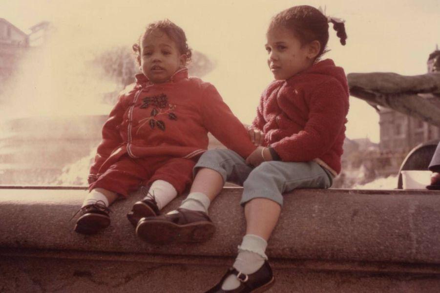 Kamala Harris enfant avec sa soeur Maya Harris.