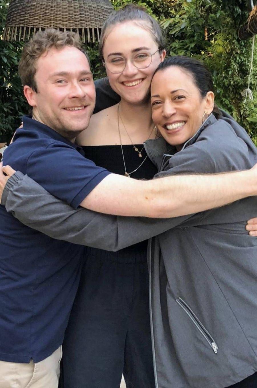 Kamala Harris avec Cole et Ella, les enfants de son mari Douglas Emhoff.