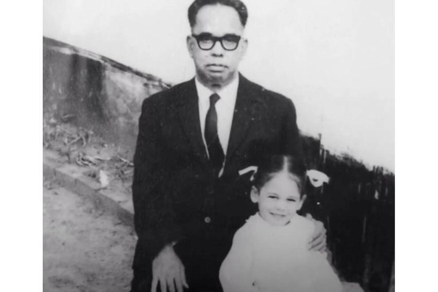 Kamala Harris et son grand-père maternel, P.V. Gopalan.