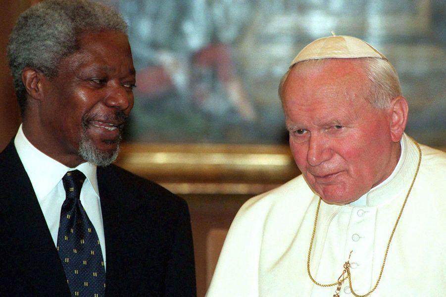 Avec Jean-Paul II en 1997 au Vatican